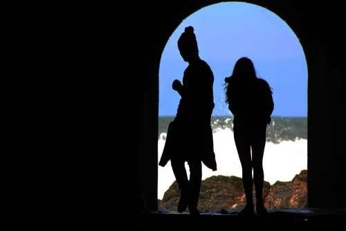 Tunnel Casal Mar Woman Shadow