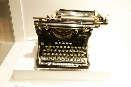 Typewriter Gabor Treasure