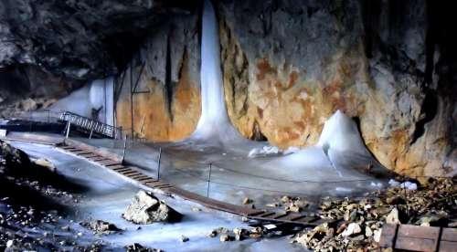 Unterberg Ice Cave Web