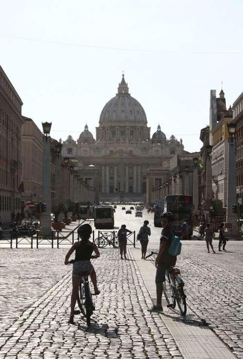 Vatican Rome Road Tourists