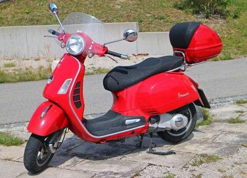 Vespa Roller Motor Scooter Red Flitzer Locomotion