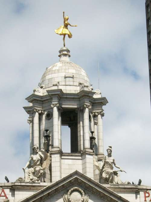 Victoria Palace London Sky Gold Statue