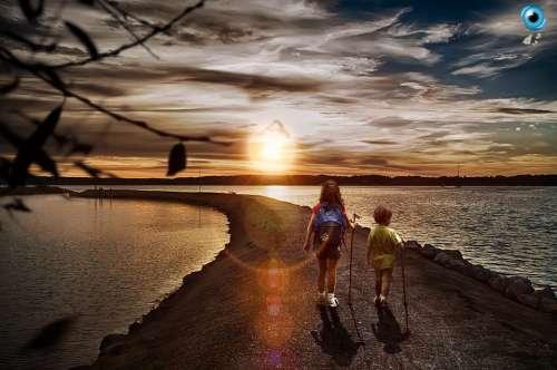 Walk Ride Kids Back Children Sol Afternoon Beach