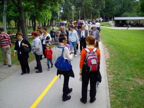 Walk People Park Walking Person Group