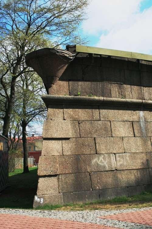 Wall Tall Strong Grey Corner Parapet Defense