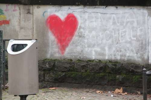 Wall Graffiti Contrast Heart Love Longing Romance