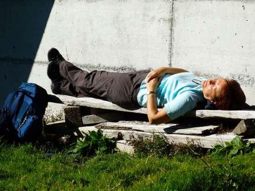 Wanderin Rest Sunbathing Enjoy