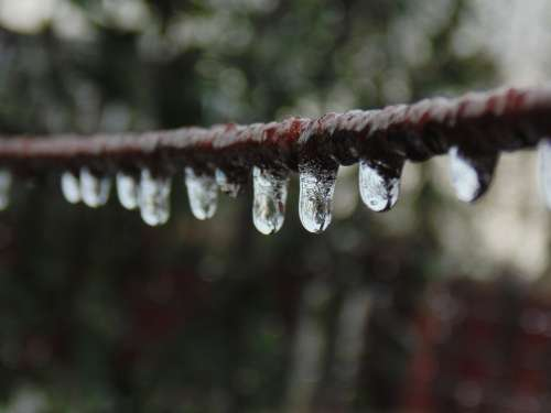 Water Droplets Ice Wire