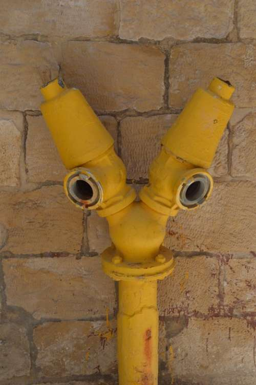 Water Pipe Leadership Pipe Yellow Extinguish