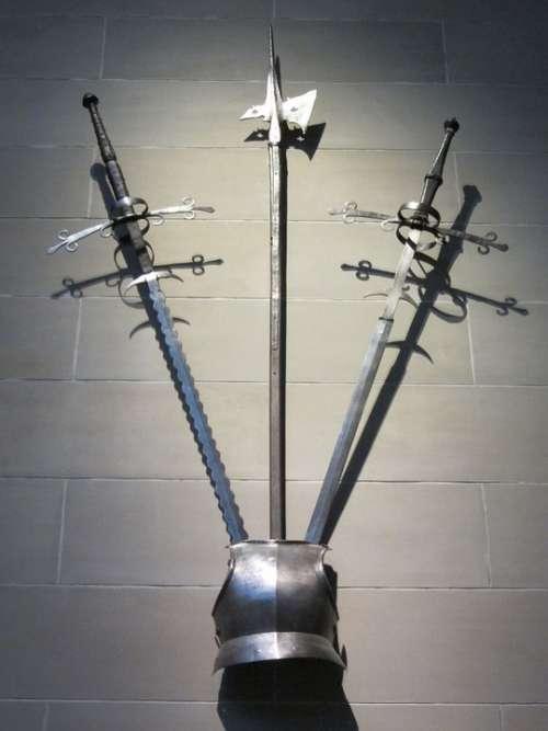 Weapons Armor Brestplate Display Museum Halberd