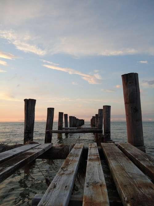 Web Sea Wooden Posts Baltic Sea Vacations Water