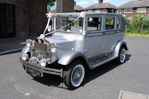 Wedding Car Vintage Old Rolls-Royce Silver