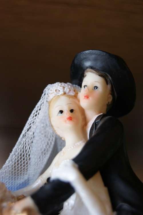 Wedding The Figurine Cake