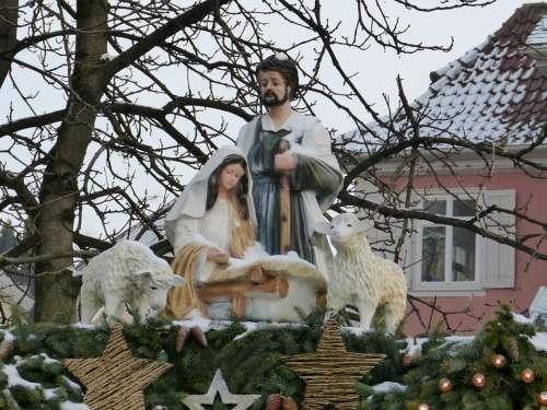 Weihnachtasmarkt Statue Maria Joseph Jesus Crib