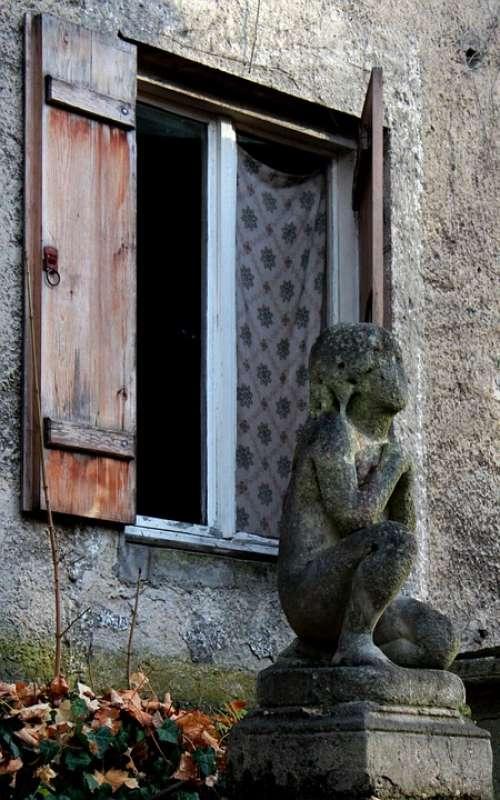 Window Statue Cemetery Munich Angel Curtain