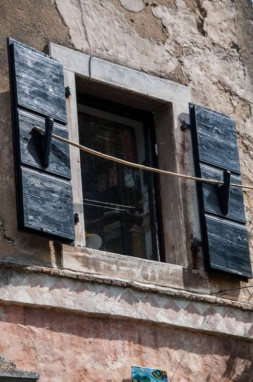 Window Croatia Istria Borgo Glimpse