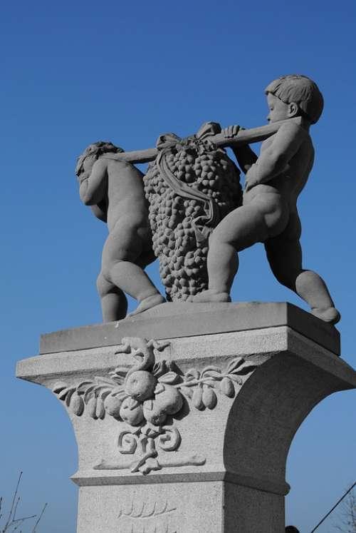 Winegrowing Carrier Statue Sculpture Figure