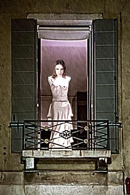 Woman Spirit Vampire Creepy Ghost Balcony
