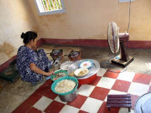 Woman Poor Cooking Kitchen Hot Heat Home Meal