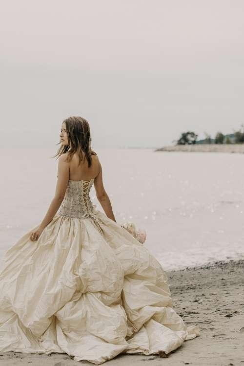 Bridal Fashion Beach Photo Photo