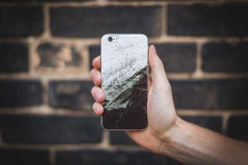 Holding iPhone 6 Photo