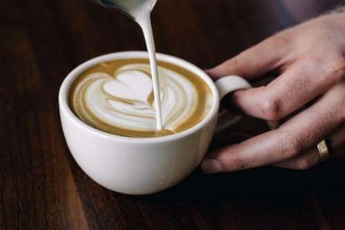 Latte Pour Art Photo