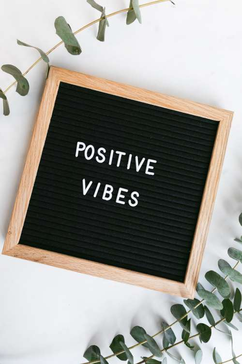Spreading Positive Vibes With This Minimal Sign Photo