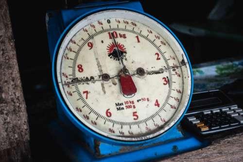 Vintage vendor's weight