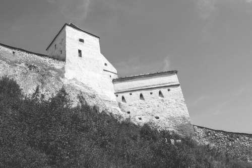 Râșnov castle walls and towers