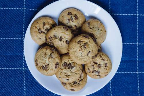 Chocolate chip cookies on a plate 4