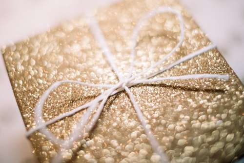 Gift box bow