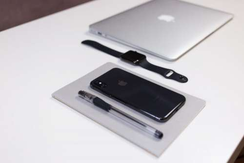 iPhone X, iWatch and MacBook