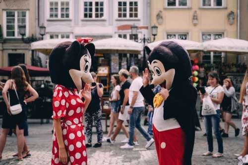 Mickey and Minnie waving at tourists 2