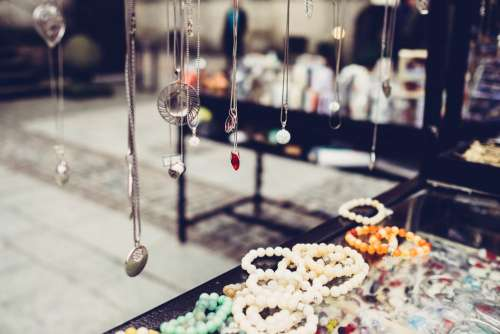 Outdoors jewelry display 2