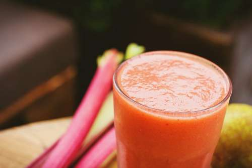 Pear and rhubarb smoothie 2