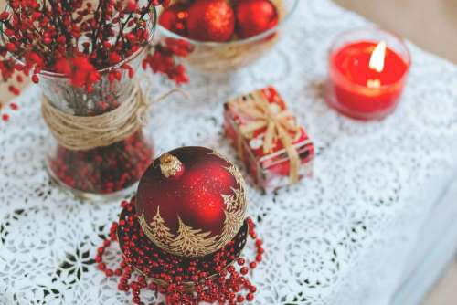 Red and white Christmas table set