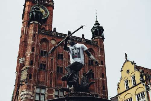 Statue of Neptune in a T-shirt