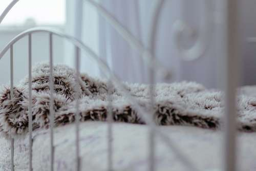 Vintage white bed 2