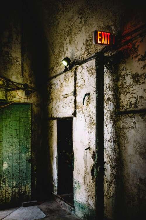 Abandoned Building in Philadelphia, Pennsylvania free photo