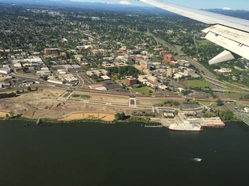 Aerial view of the city on the wing in Vancouver, Washington free photo