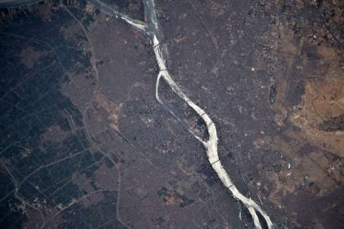 Aerial view of the Nile flowing through Cairo, Egypt free photo