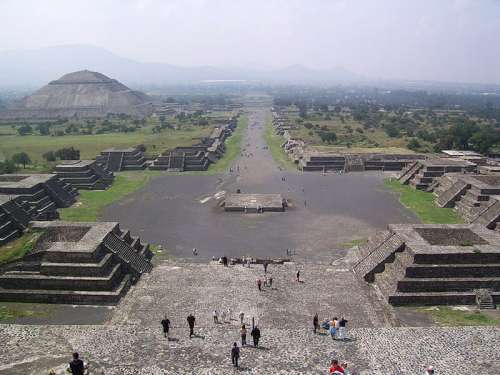 Avenue of the Dead and the Pyramid of the Sun in Teotihuacan free photo
