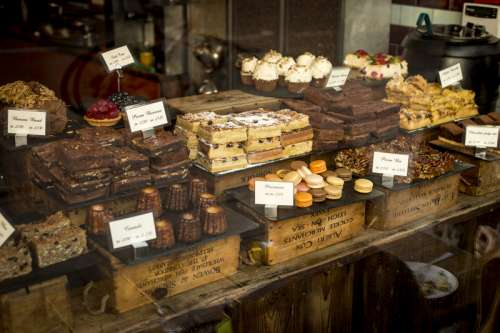 Bakery and Sweets in the shop free photo