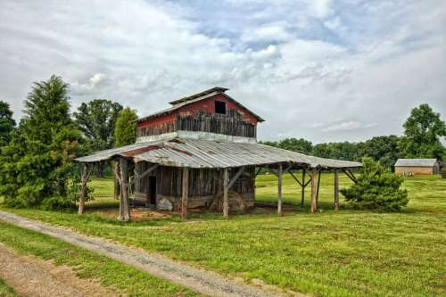 Barn on a rural farm in North Carolina free photo