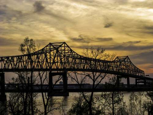 Bridge at dusk over the mouth of the Mississippi in Baton Rouge, Louisiana free photo