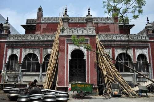 Building in Dhaka, Bangladesh free photo