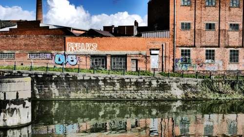 Buildings and graffiti in Ghent, Belgium free photo