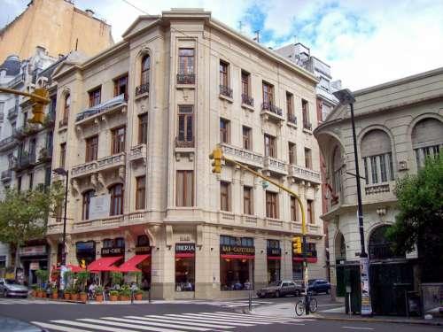 Café Iberia en Av. de Mayo in Buenos Aires, Argentina free photo