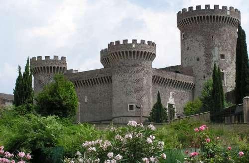 Castle of Rocca Pia in Tivoli, Italy free photo