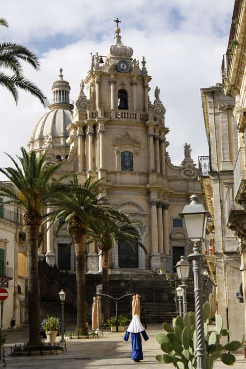 Cathedral of San Giorgio in Ragusa Ibla, Italy free photo